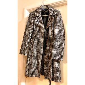Houndstooth wool winter coat